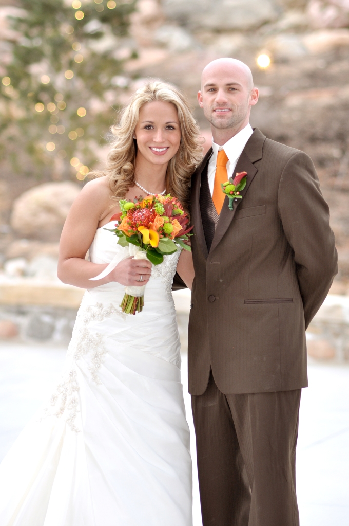 salt-lake-city-temple-lds-bride-groom-wedding-photography-portrait-tooele-couple-autumn-fall-portrait