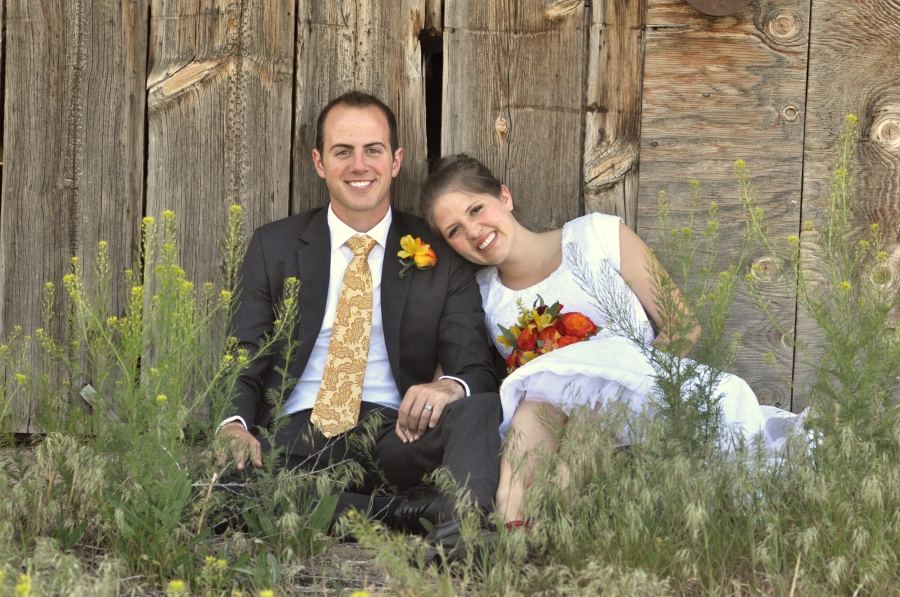 salt-lake-city-temple-lds-bride-groom-wedding-photography-portrait-couple-rustic-barn-tooele