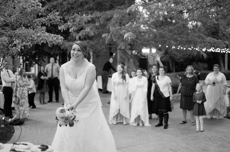 Bouquet throw Photography